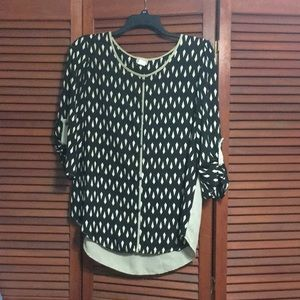Black and Tan top size XL